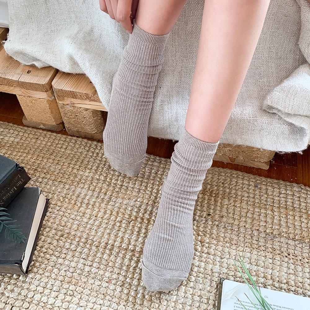 Slim ribbed socks