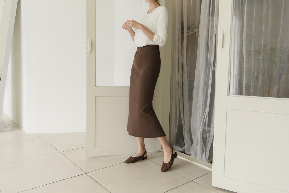 Free Heel Knit Skirt