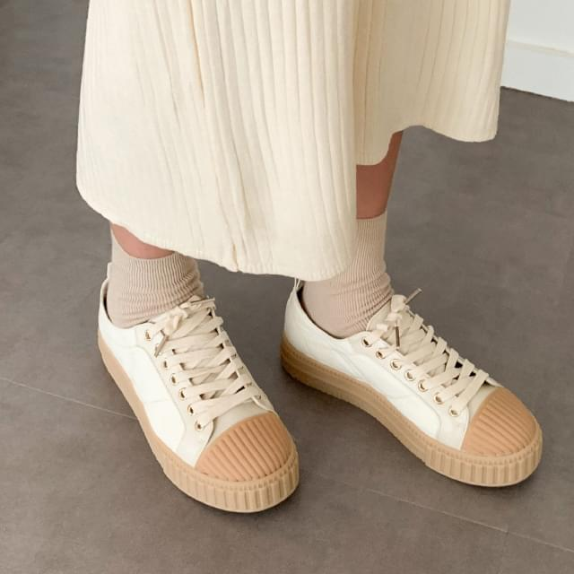 daily clean shape sneakers