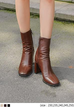 MCKINLEY ANKLE BOOTS