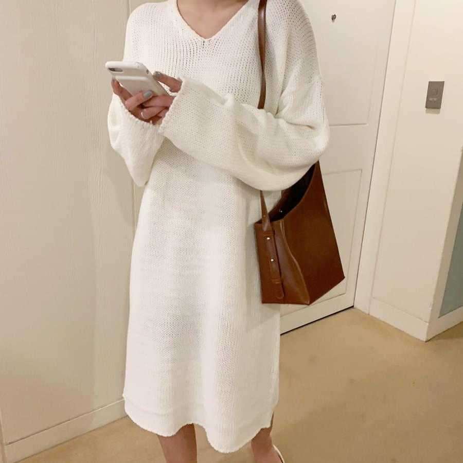 Loose-fit knitted dress