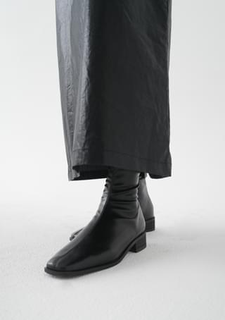 slim square ankle boots