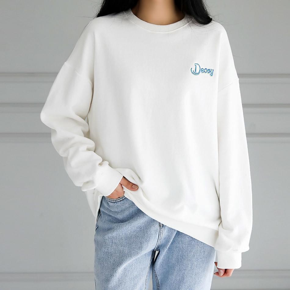 Decoy man-to-man t-shirt