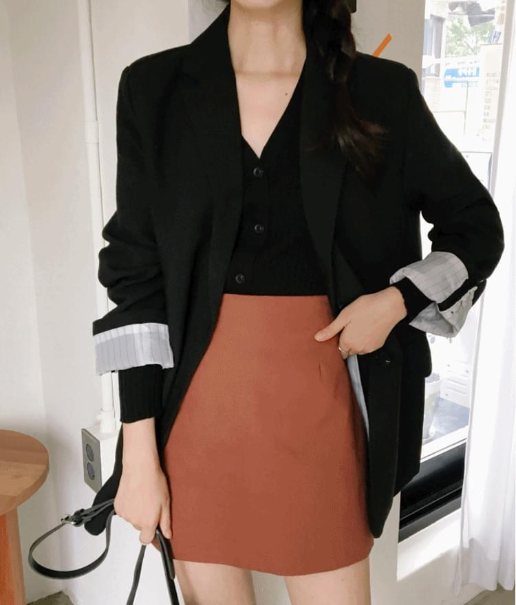 Collaboration mini skirt