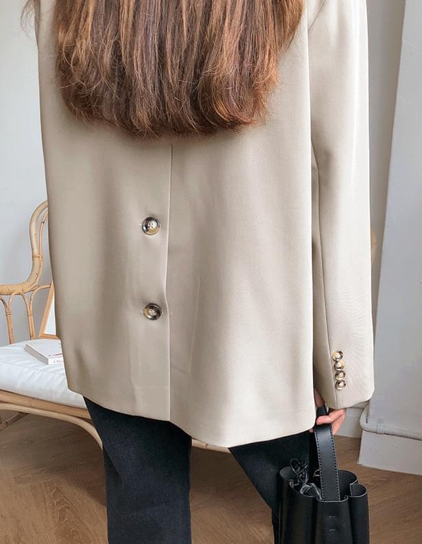 Back slit jacket