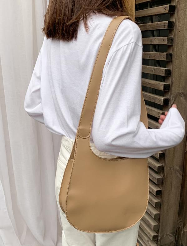 clean daily shoulder bag