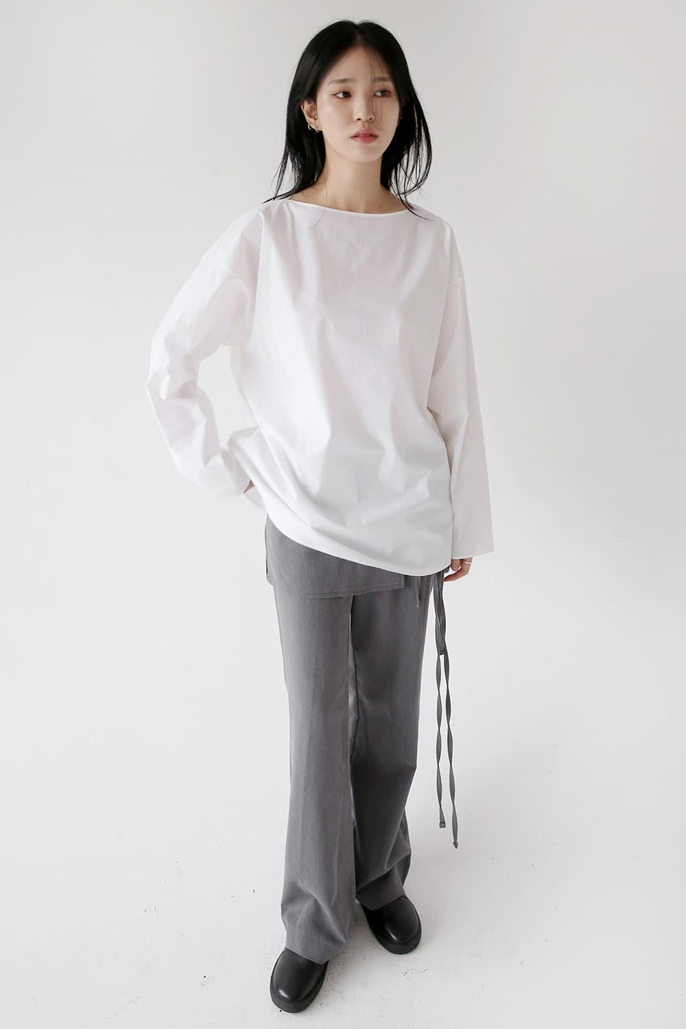 dry texture boat-neck blouse