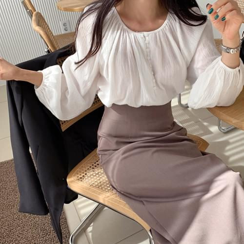 Bonita Shirring Button Blouse *