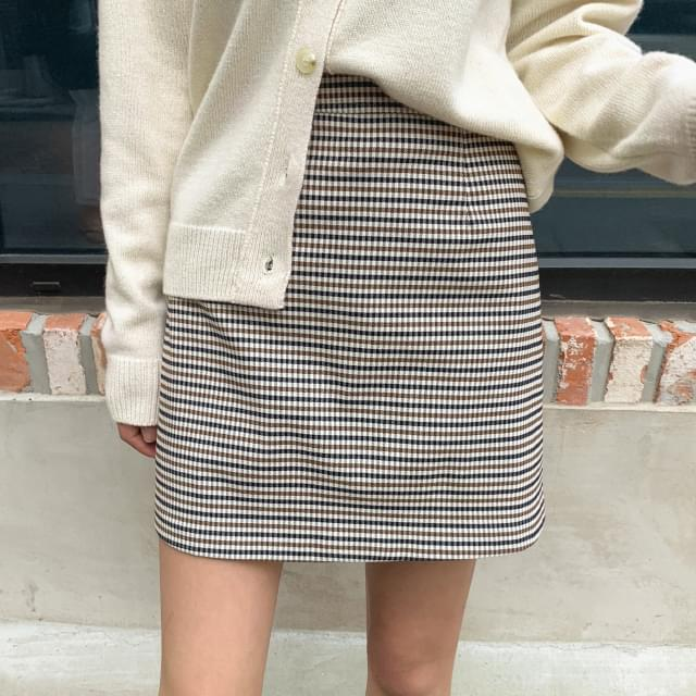 slim A-line check mini skirt slim A-line check mini skirt