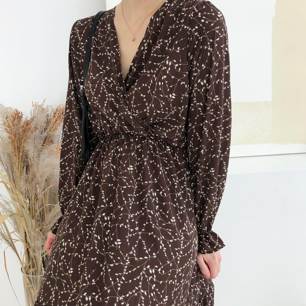 Small pattern flare dress
