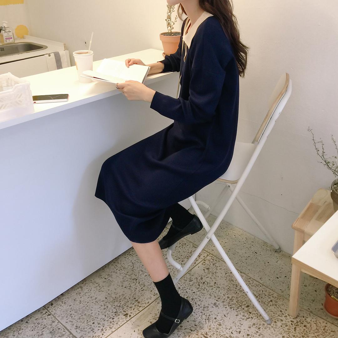 Minimalist color dress