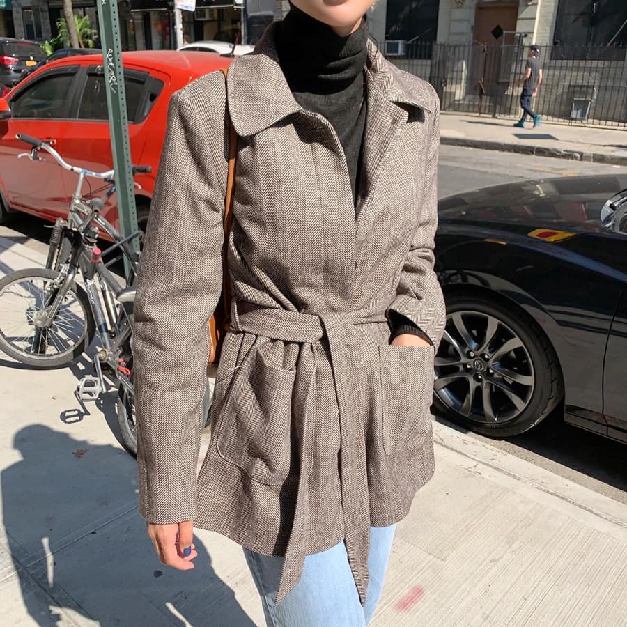 Herringbone belt jacket
