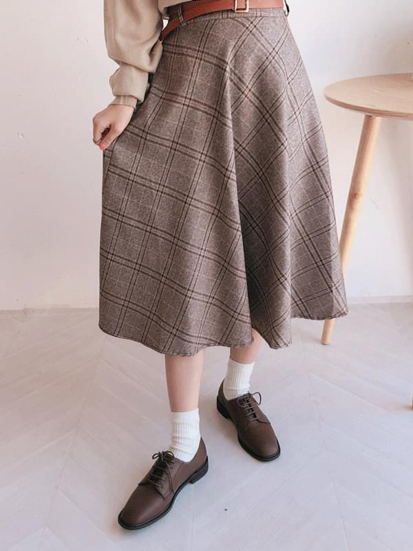 Diagonal check long skirt