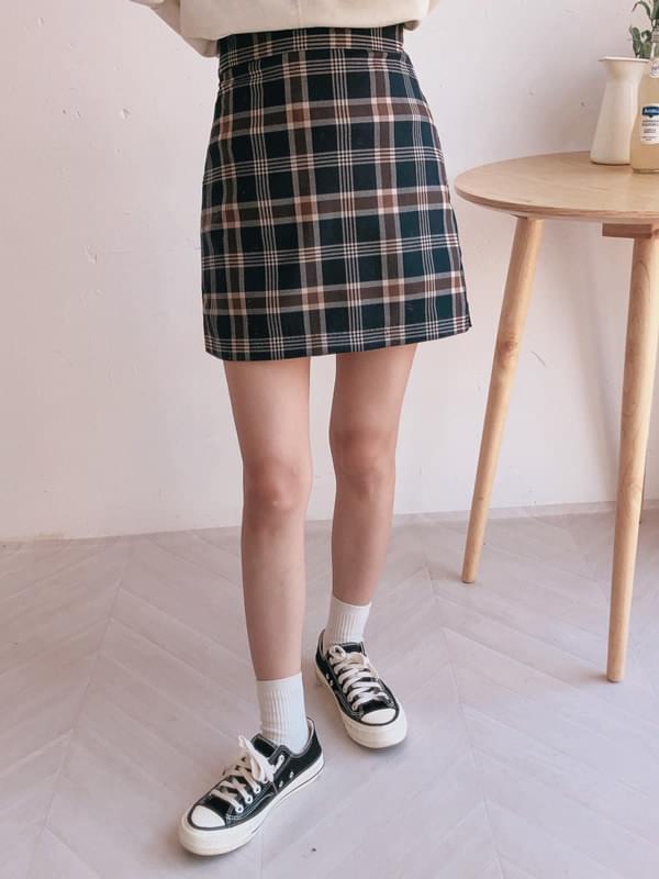 Happy check skirt