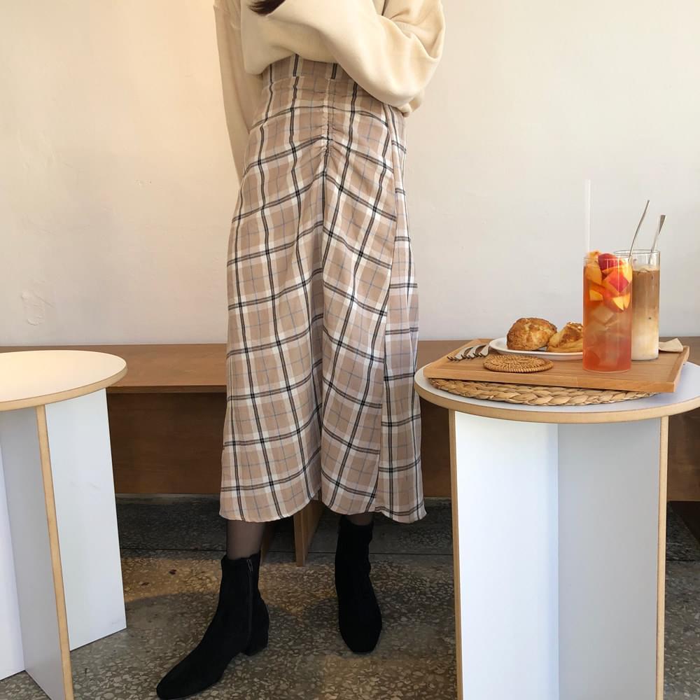 Long latte check skirt
