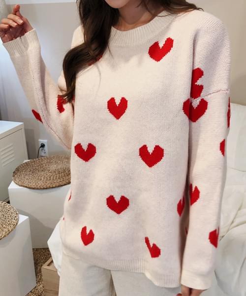 Lovely Heart Pattern Knit