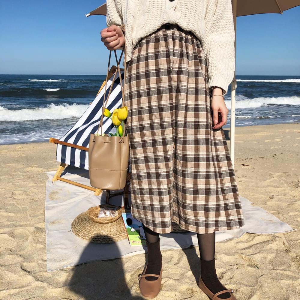 Natural check long skirt