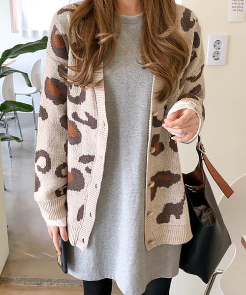 Leopard Cardigan in Autumn