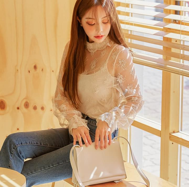INES LACE COLLAR SEETHROUGH BLOUSE