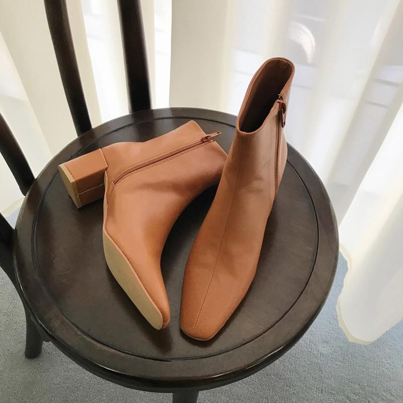 Position shoes