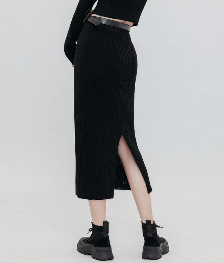 Back Slit Mid-Calf Knit Skirt
