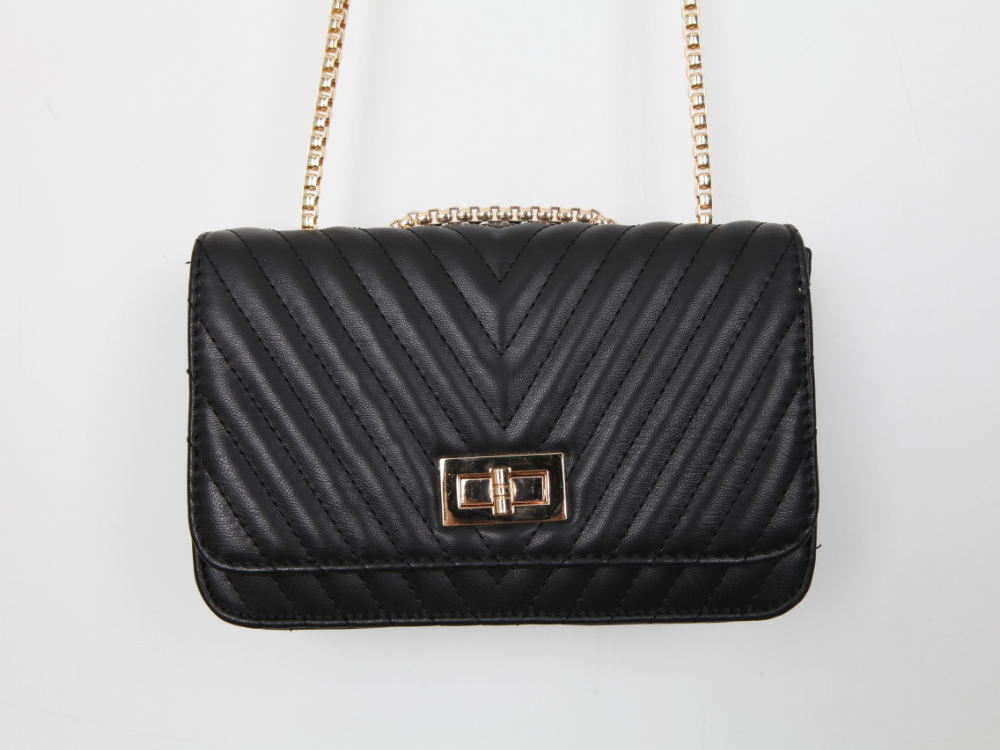 V Cushion Cross Bag