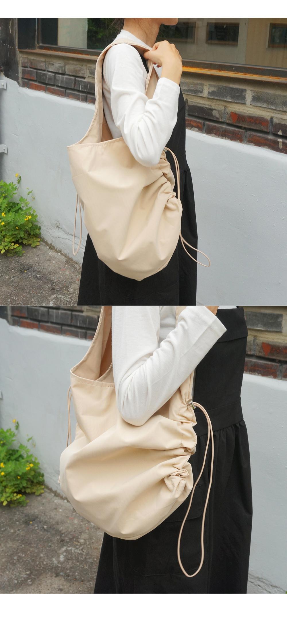 String shoulder bag