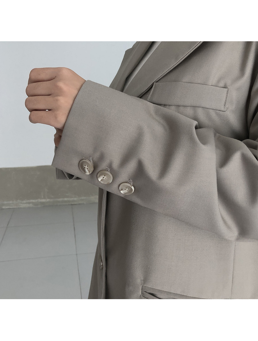 Two-button boxy jacket