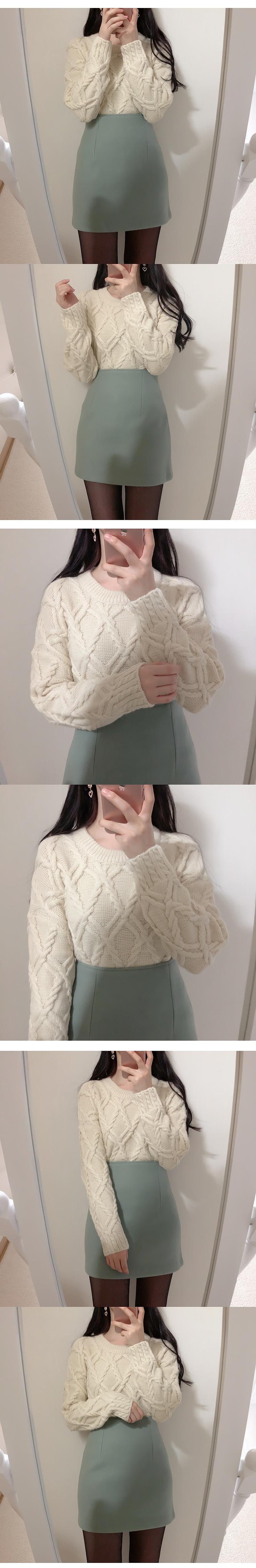 Lollipop pretzel knit