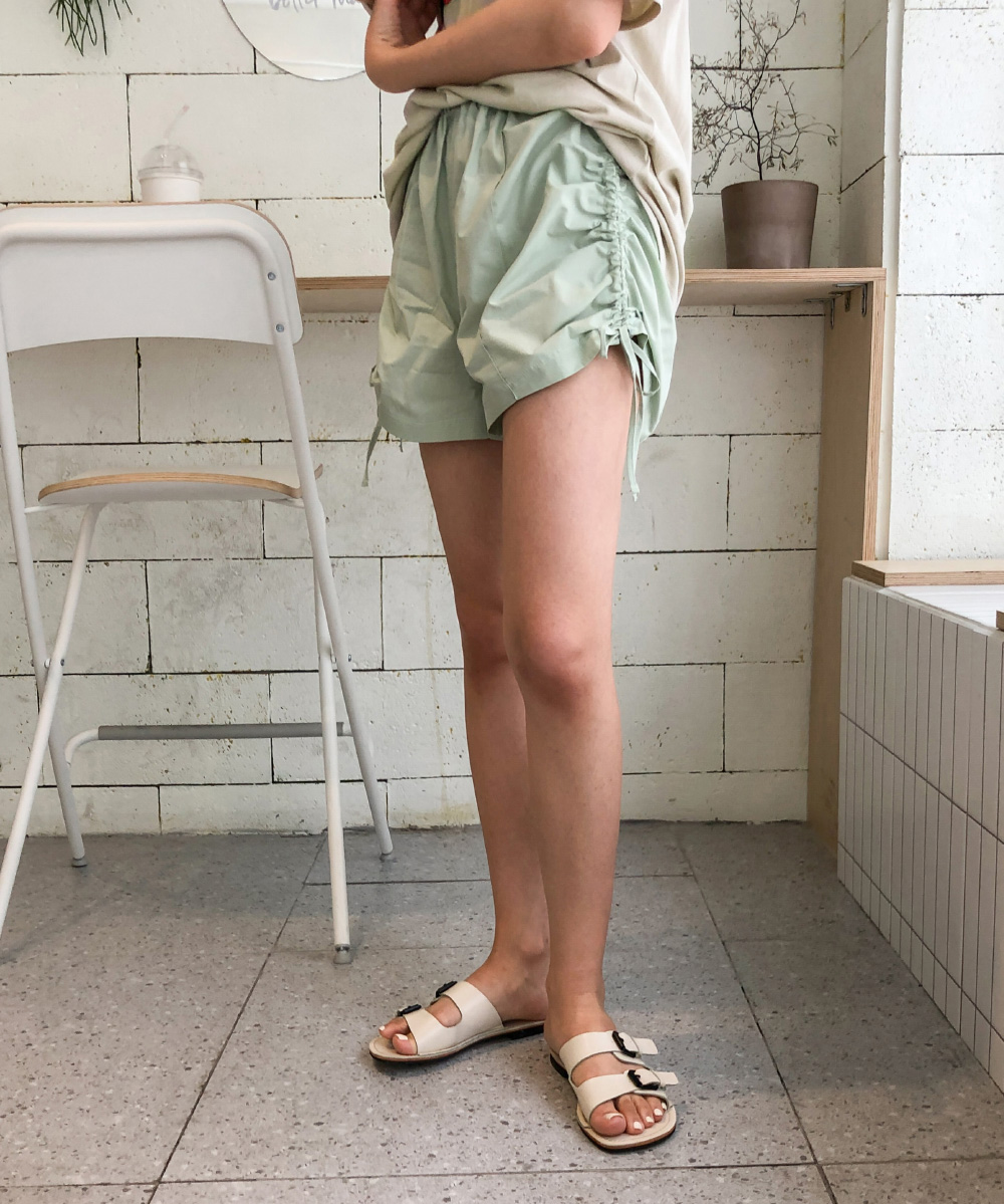 Shirring banding short pants