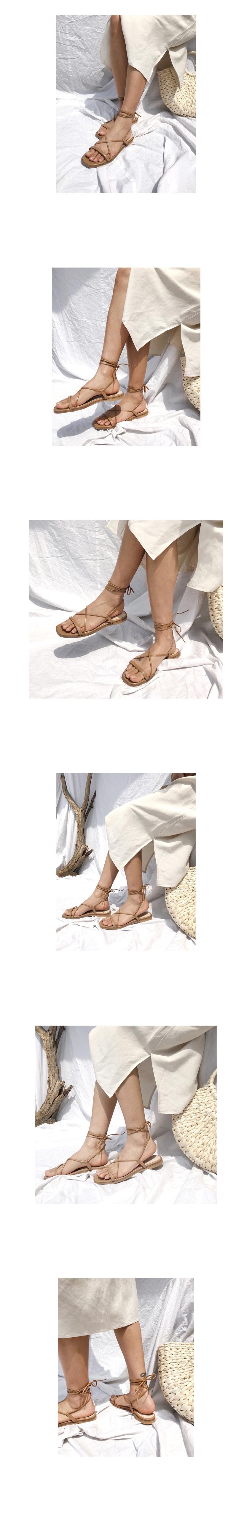 Wayne strap sandals