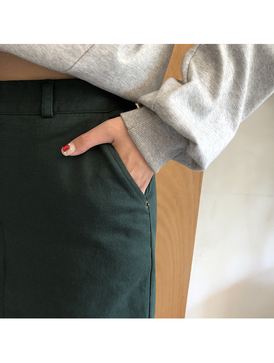 Back banding simple skirt