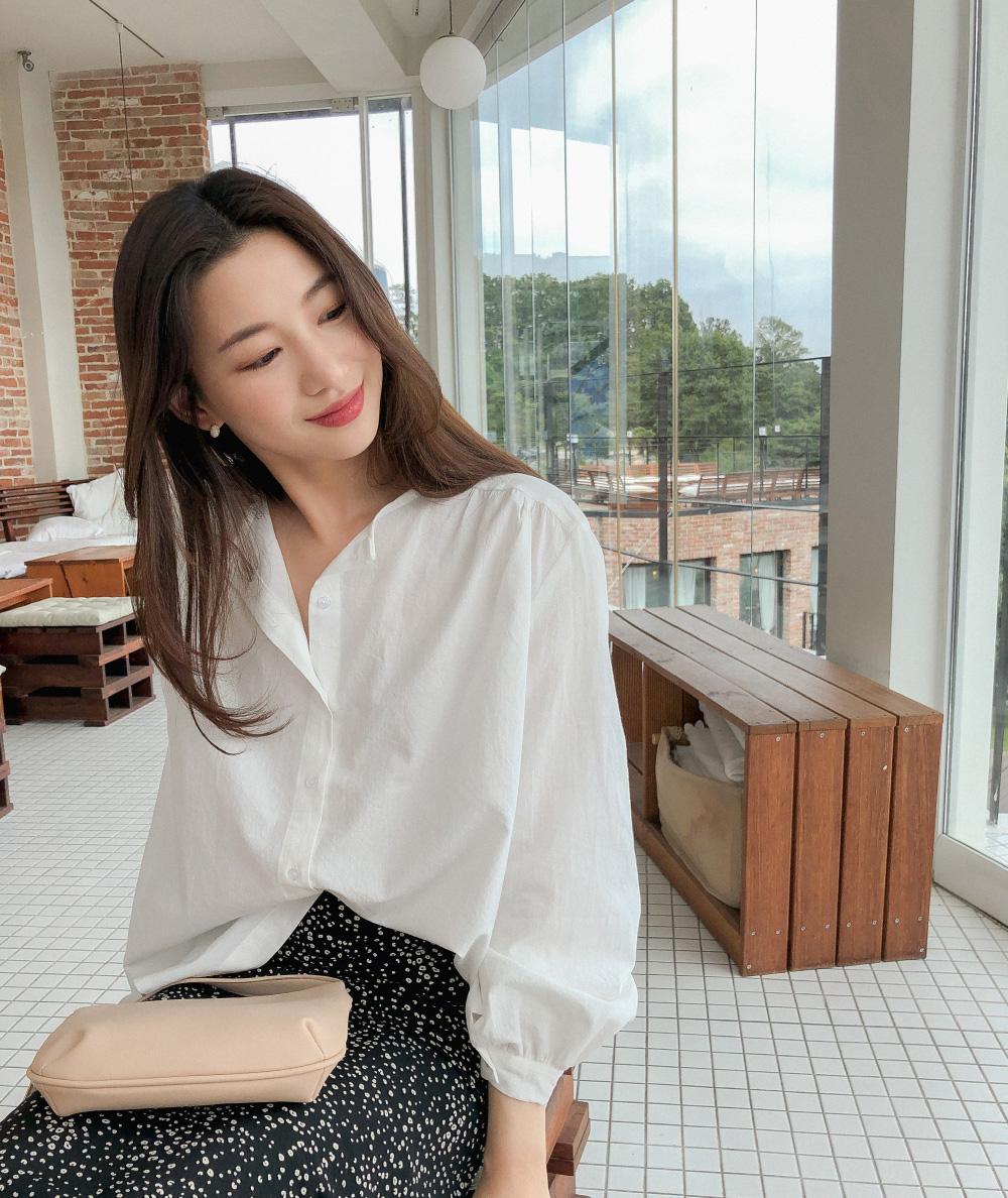 puff sleeve feminine blousePuff sleeve feminine blouse