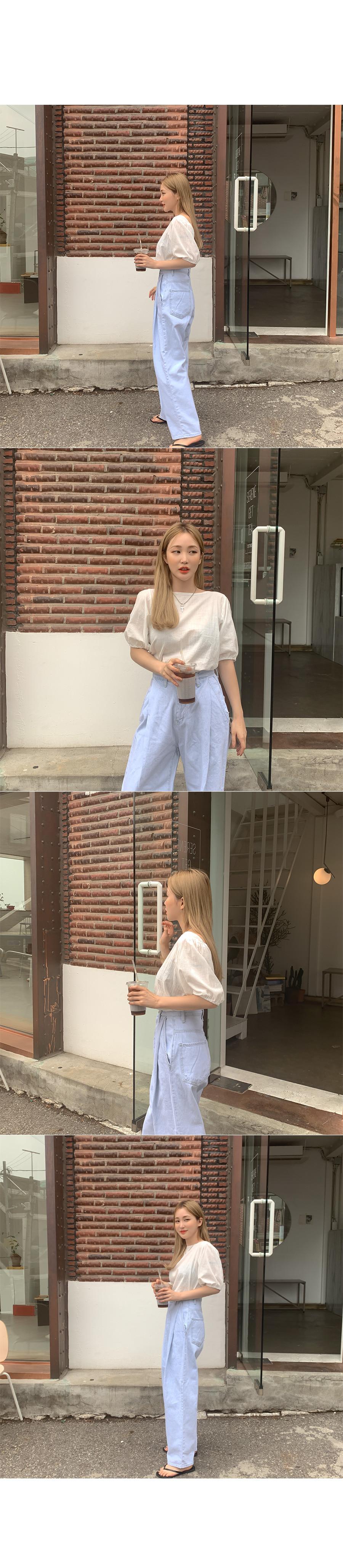 Brushing blouse