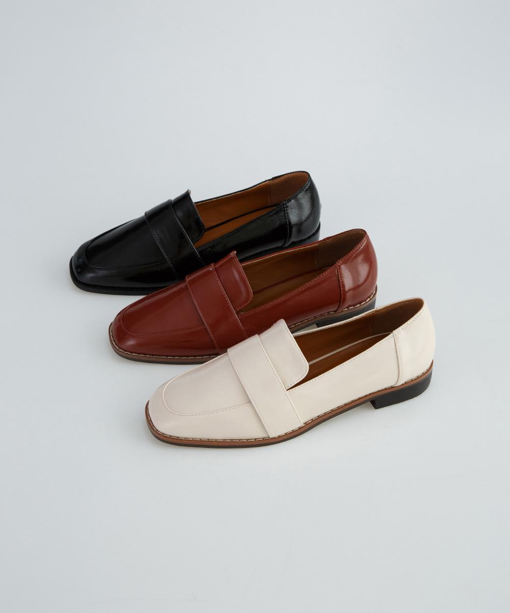 basic shape neat loafer