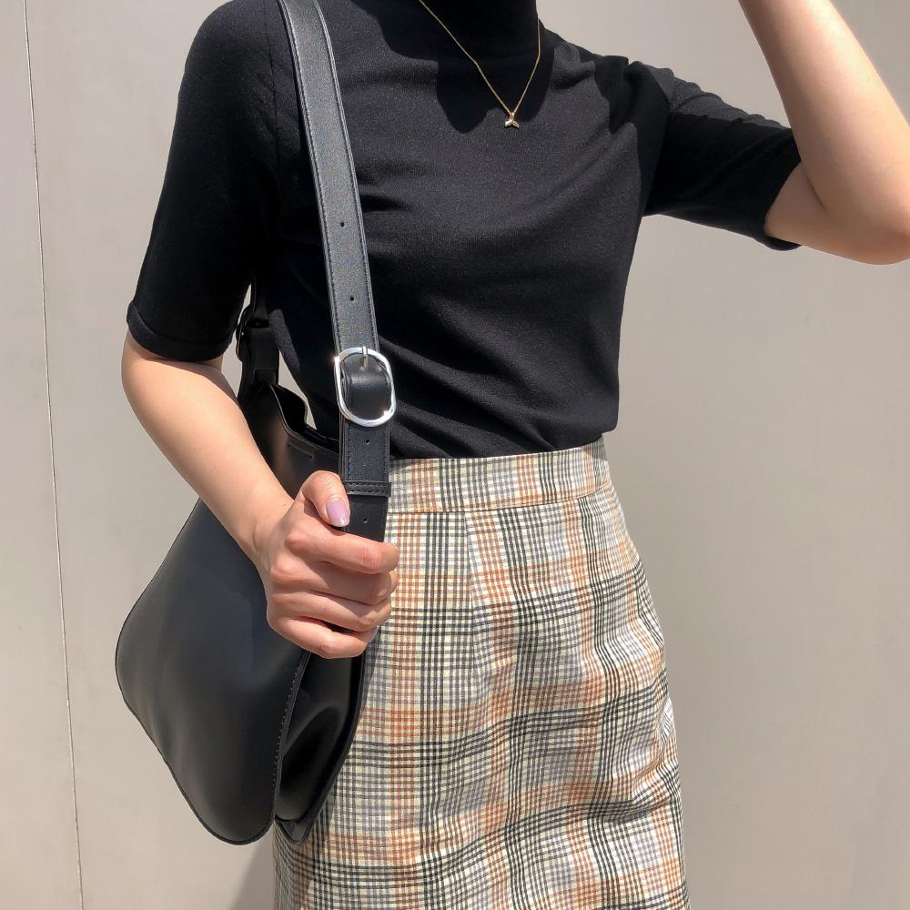 Semi-Slim Fit Half High Neck Knit