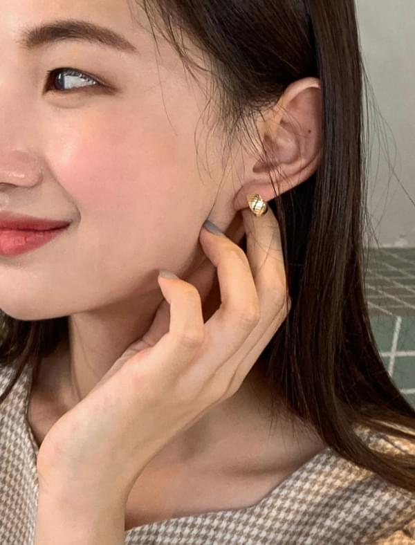oblique shape earring