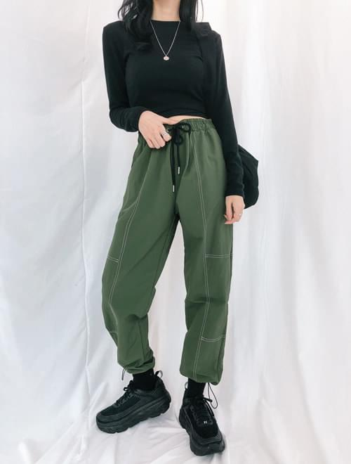 Double-stitched cargo pants