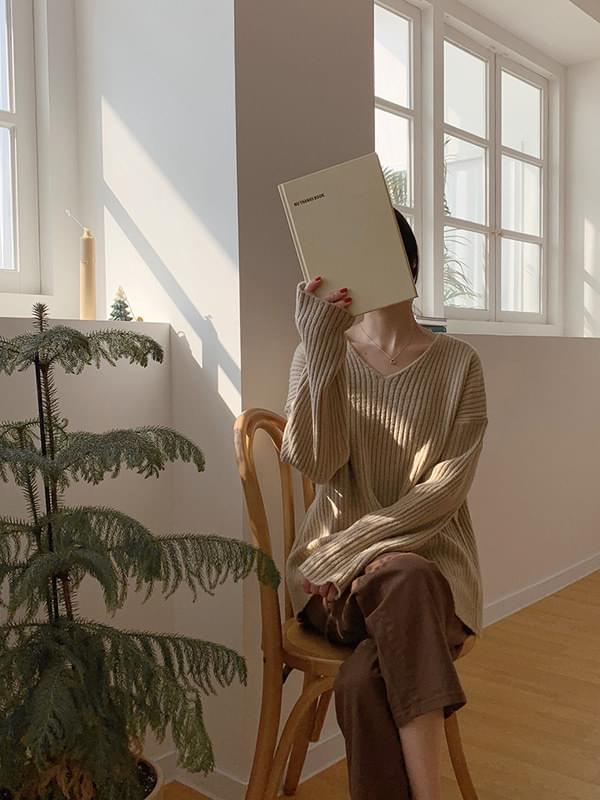 Loose mood warmth V neck knit