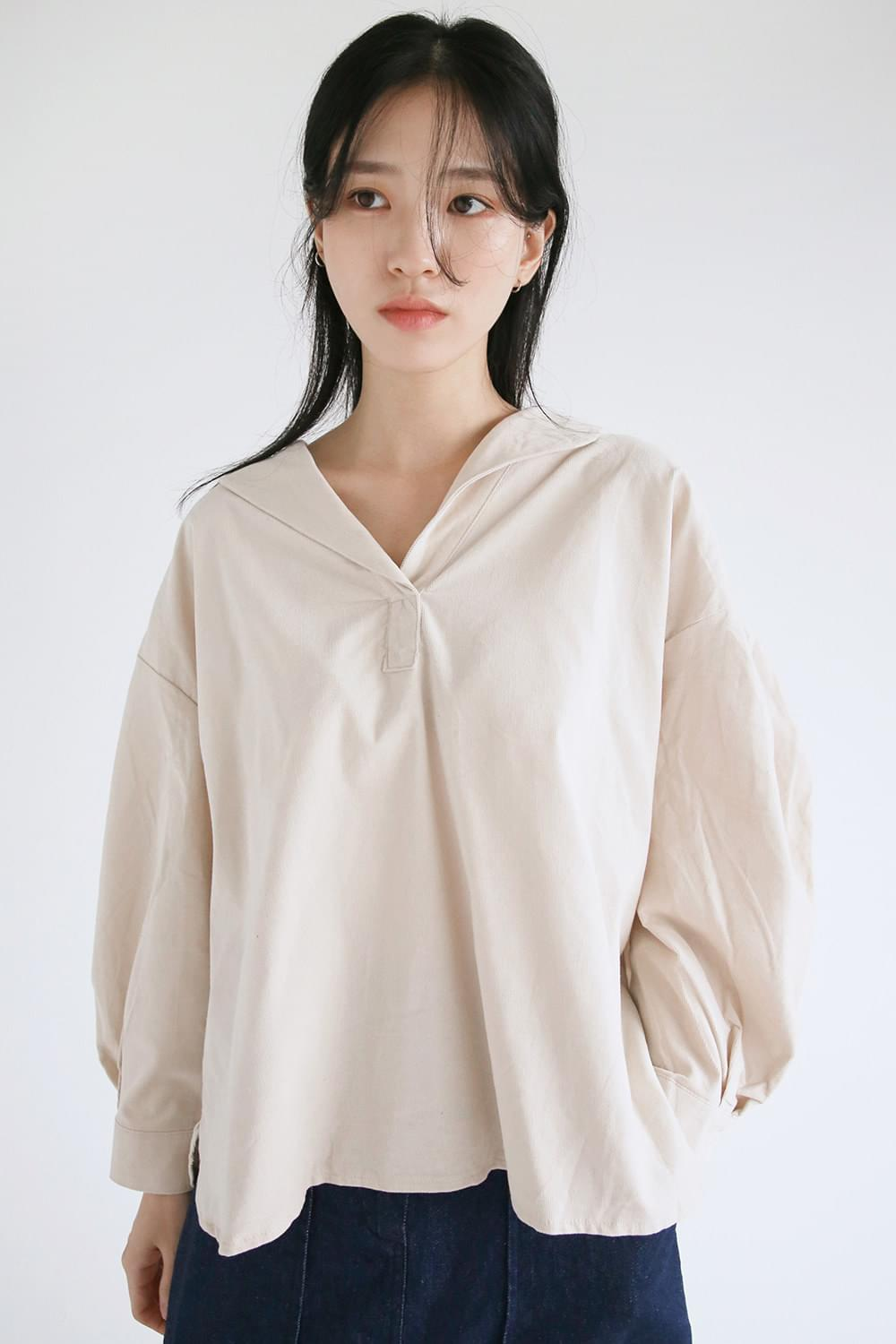 nature collar wide blouse