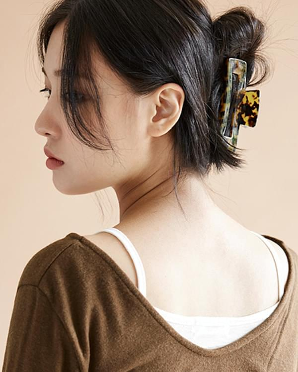trendy leopard hair pin