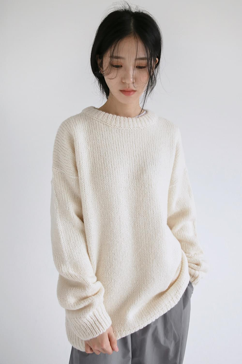 solid round knit top