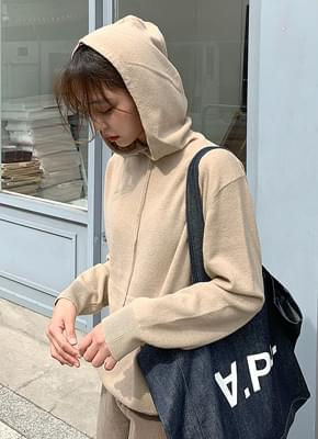 Wool hooded knit