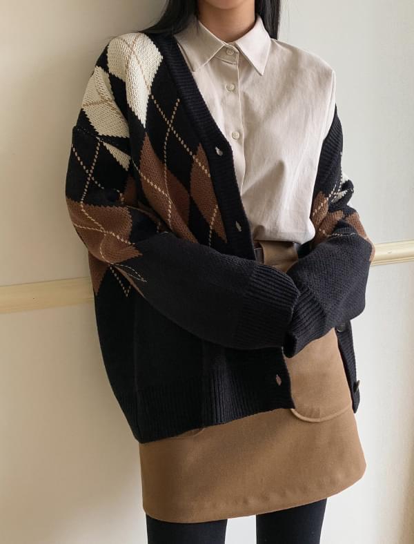 argyle pattern classic cardigan