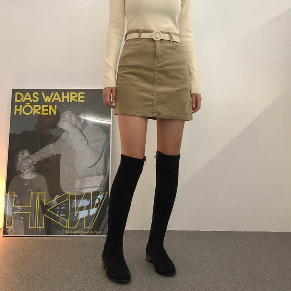 Corduroy short skirt