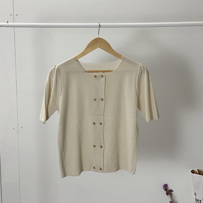 Double button knit blouse