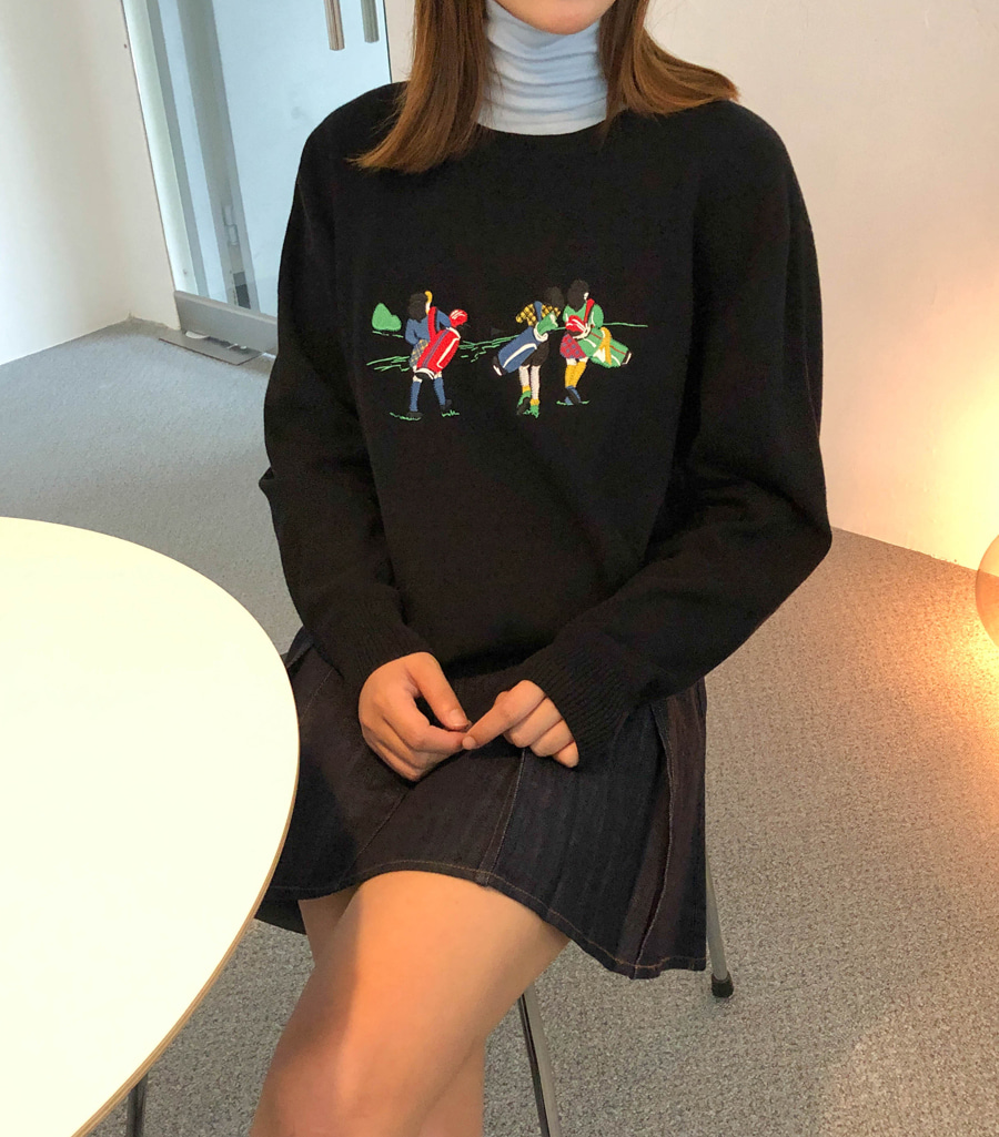 Round embroidery knit