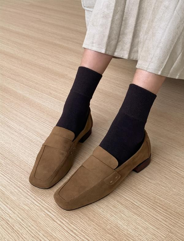 square toe suede loafer