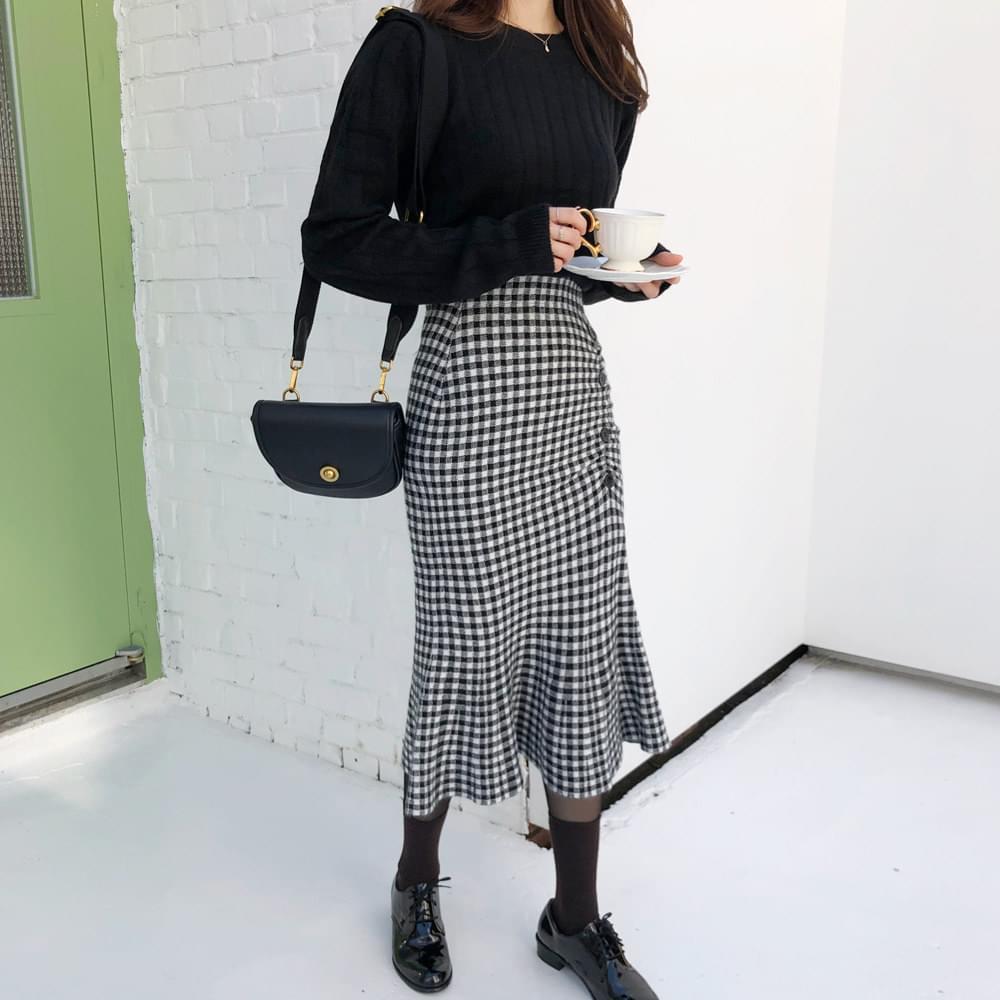 Check Button Shirring Skirt