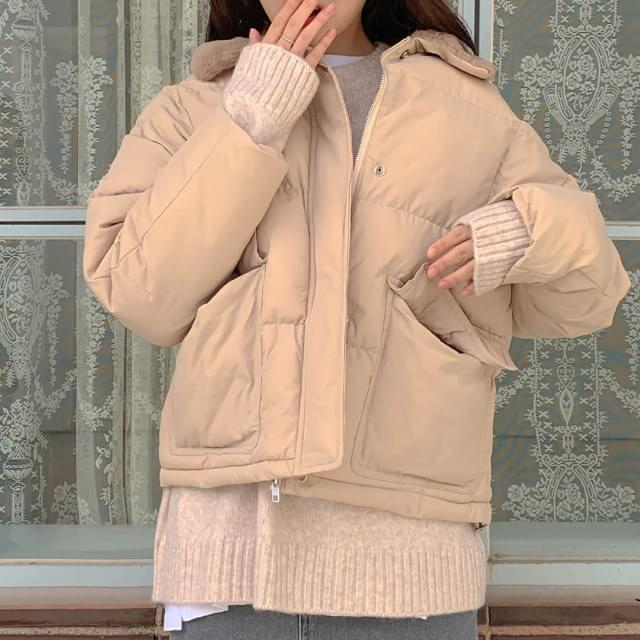 Fake Cara Short Padded Jumper ジップアップ